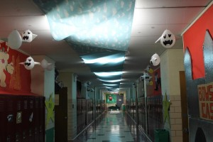 The sophomore hallway in all its splendor.
