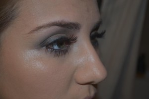 The smokey eye look helps to draw attention.