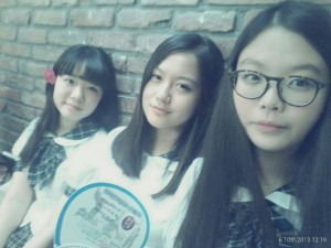 Ewha Girls High School students who have a few months to go until graduation (seniors), wearing uniforms.