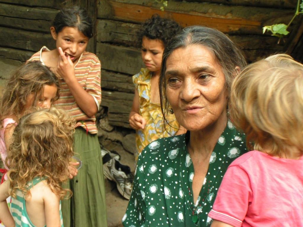Raquel Lesser tackles the century old disdain towards Italy's gypsies.
