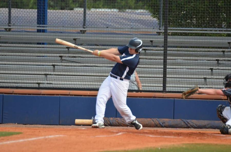 Lange smacks a double during the WWBA tournament, helping his team secure a 5-1-1 record.