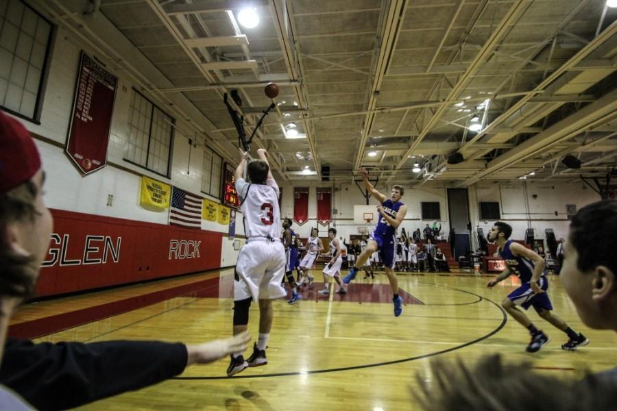 Boys%27+basketball+seniors+hit+the+court+for+Senior+Day