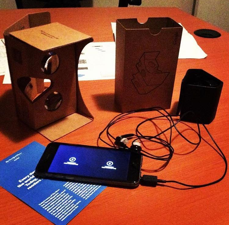 Google Cardboard with iPhone 6 and headphones