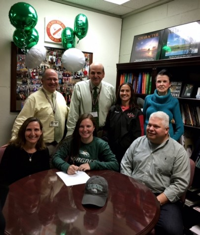 Wagner College Softball Commit Zoe Bender signed her National Letter of Intent on November 12.