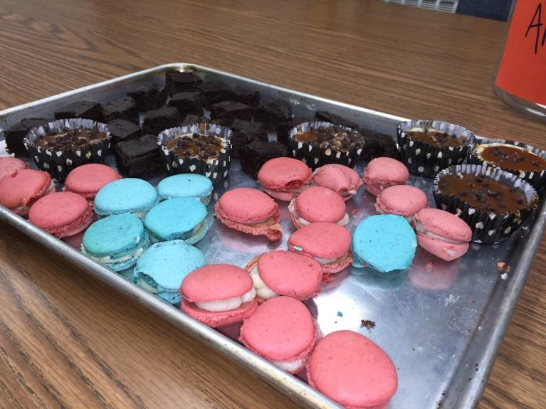 A+tray+of+a+a+combination+of+only+several+of+the+treats+made+for+the+sophomore+bake-off+featuring+macaroons%2C+brownies%2C+and+cheesecake.+