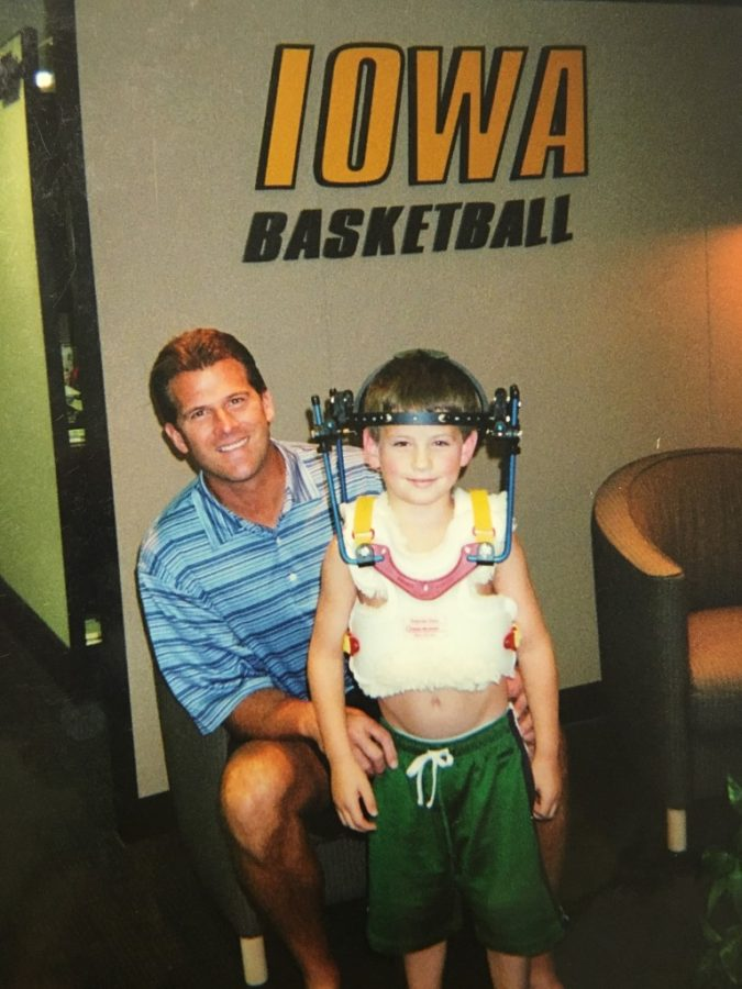 Future Hall of Fame coach, Steve Alford, often took breaks from coaching to talk and spend time with Weiss.