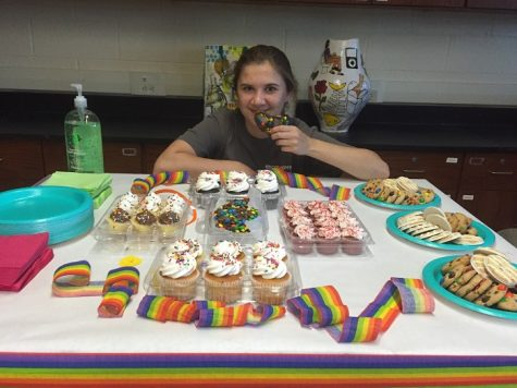 Rachel Halpern with the food at the final meeting.