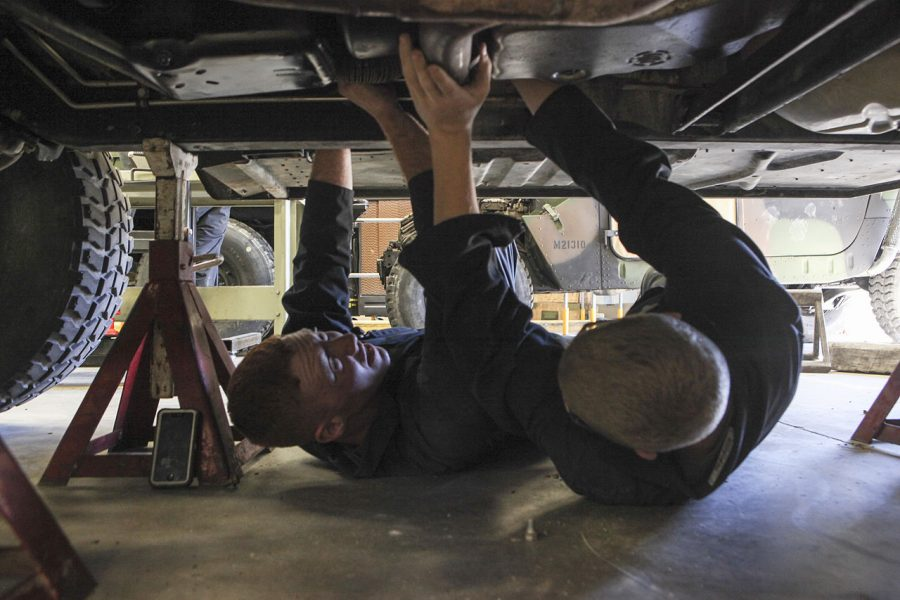 Driving Your Performance, Gas Engine Construction and Operation, Electrical Systems, Air Conditioning and Electrical Accessories, Automotive Brake Systems, Automotive Steering and  Suspension Systems are the courses offered to receive the total 29.5 credits in an Automotive Mechanics Program.