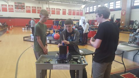 Robotics team reflects on meritorious season before States