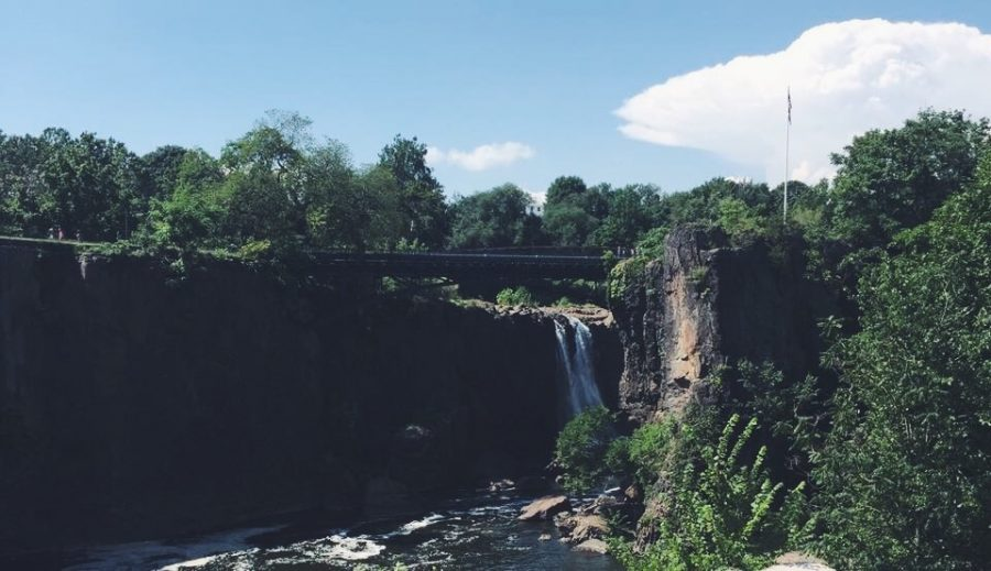 The castle is just minutes away from The Paterson Falls, a priceless view.
