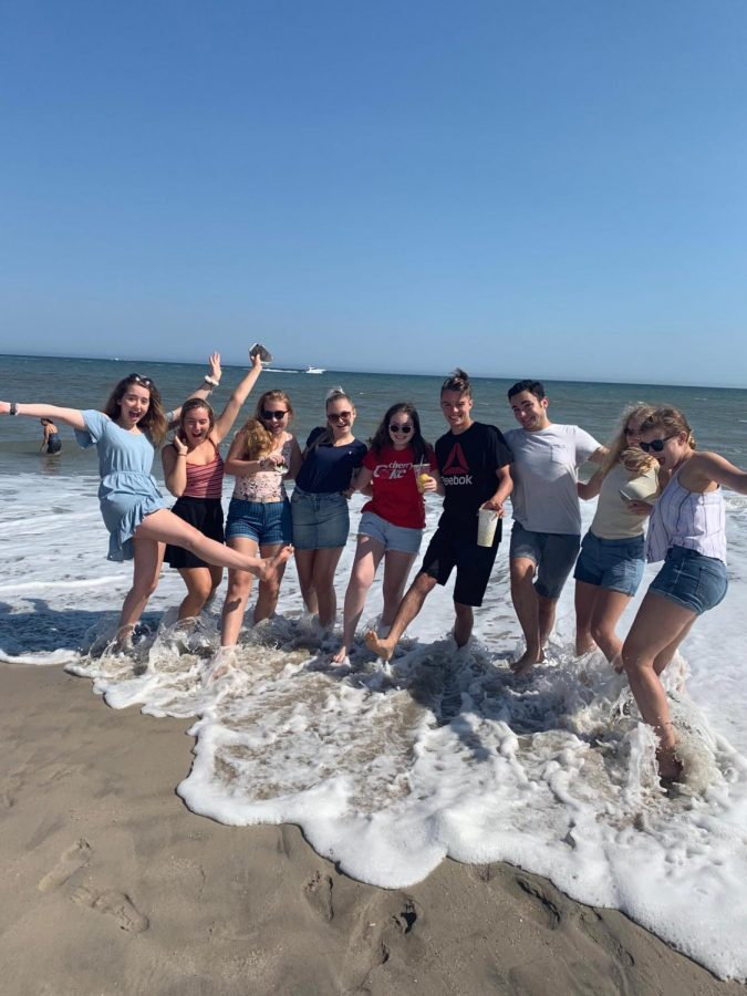 The+Czech+exchange+students%2C+and+hosts+enjoy+themselves+at+Point+Pleasant+Beach+on+their+day+trip.