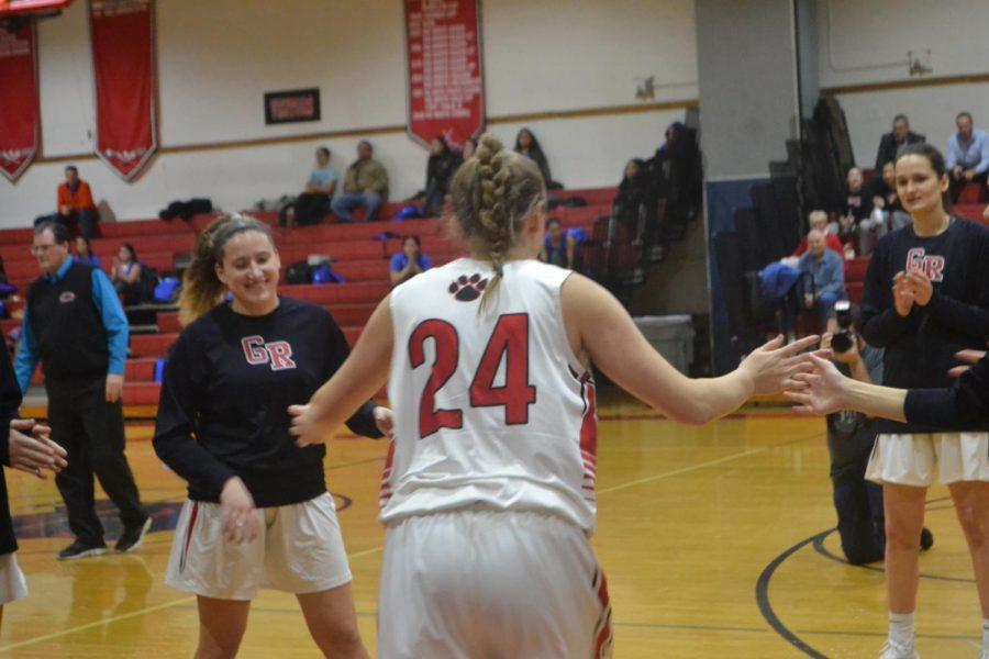 Girls+varsity+basketball+team+wins+against+Lodi