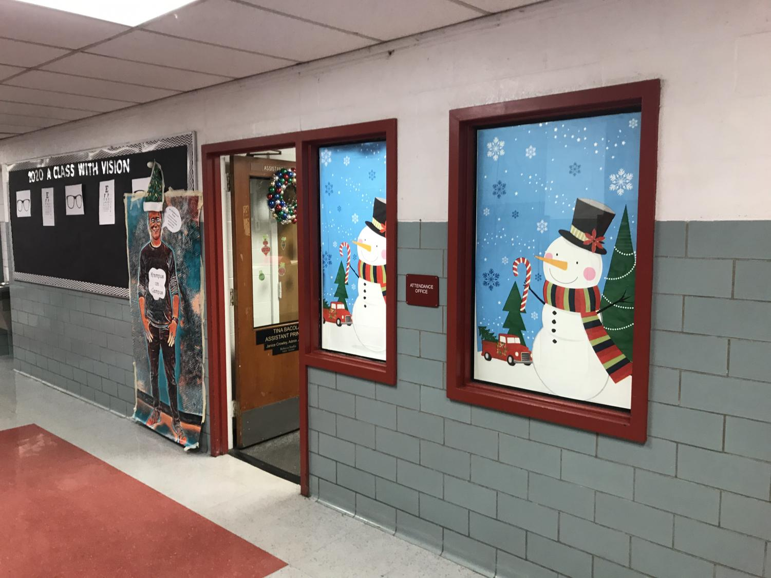 The+attendance+office+during+the+holiday+decorating+contest.