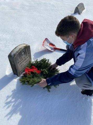 Jack Strawhorn lays a wreath.